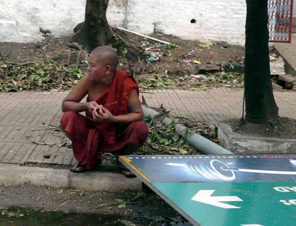 Crisis humanitaria en Birmania
