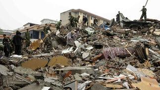 Casi 15.000 muertos y más de 40.000 desaparecidos o bajo los escombros en Sichuan
