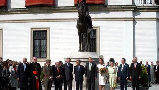 El Rey inaugura la escultura de la Condesa de Barcelona