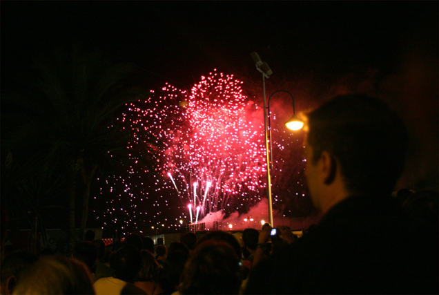 La Feria estalla en colores y música