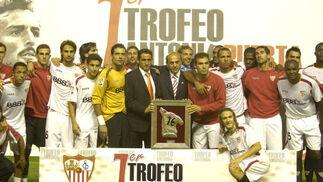 El Sevilla se hace con el I Trofeo Antonio Puerta