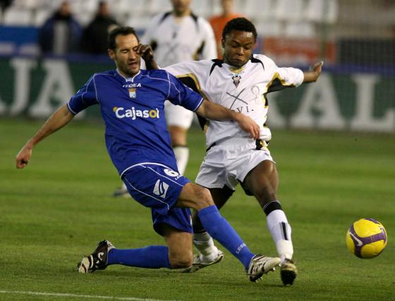 Moreno se muestra expeditivo cortando un avance de Kitoko.  Foto: lof