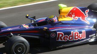 Mark Webber se mantuvo en pista durante 83 giros, 22 más que su compañero Sebastian Vettel ayer.  Foto: J. C. Toro