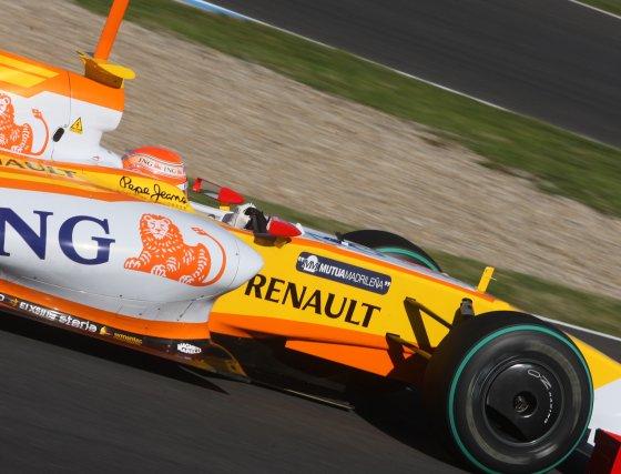 Al igual que ayer, el Renault de Piquet fue el coche que menos vueltas completó a la pista jerezana en comparación con el resto de pilotos.  Foto: J. C. Toro