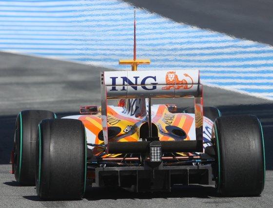 El brasileño Nelson Piquet fue el piloto más lento de los cinco bólidos en pista con 1.21.908.  Foto: J. C. Toro