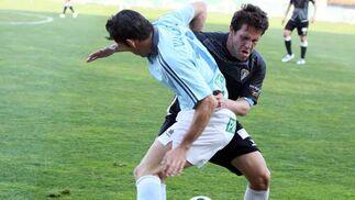 Los isleños consiguen empatar a cero en el feudo del Poli pese a quedarse con un jugador menos por la expulsión de Regino  Foto: Victor Manuel