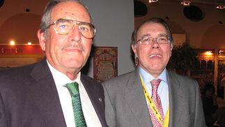 Eduardo Miura, presidente de la Unión de Criadores de Toros de Lidia, y José María Baviano.   Foto: Victoria Ramírez