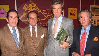 José Nieto, Francisco O'Kean, Ignacio Molina y Antonio Ledró, de la Asociación de Garrochistas de Sevilla Nuestra Señora del Rocio.  Foto: Victoria Ramírez
