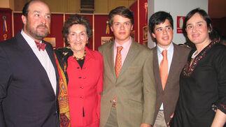 Ignacio Maza, Condesa viuda de la Maza, Diego y Tristán Heredia Maza y Silvia Maza.  Foto: Victoria Ramírez