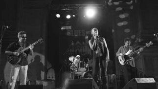 Esther Weekes & The Pure Tones. Antequera Blues Festival. Patio del Ayuntamiento. 20 de julio. 22:30 horas.