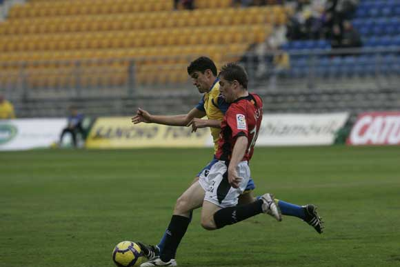 El equipo amarillo, que ofreció una imagen paupérrima, no consiguió sumar ni un punto ante el equipo catalán  Foto: Lourdes de Vicente