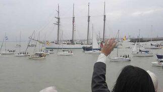 Autoridades civiles y militares dicen adiós al buque escuela que parte hacia Las Palmas en el inicio de su LXXXI crucero de instrucción  Foto: Joaquin Hernandez Kiki
