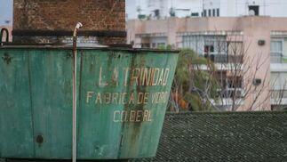 Detalle del depósito de la chimenea totalmente oxidado y deteriorado.  Foto: Victoria Hidalgo