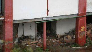 Parte del edificio caido al suelo.  Foto: Victoria Hidalgo