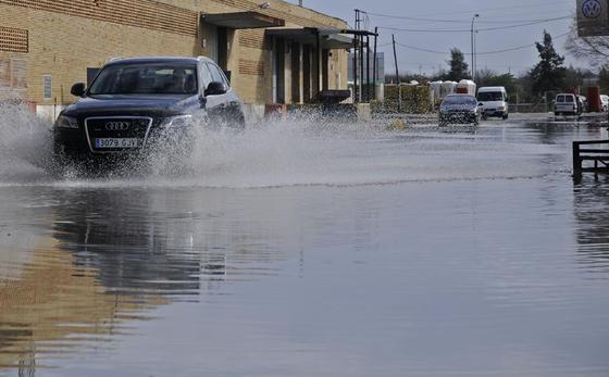 Las precipitaciones han generado grandes charcos.  Foto: J. C. Vázquez, B. Vargas y A. Pizarro