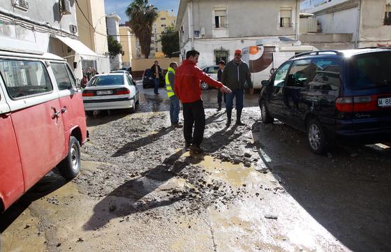 Las fuertes precipitaciones de esta mañana causaron inundaciones en calles, viviendas y garajes  Foto: Migue Fernandez
