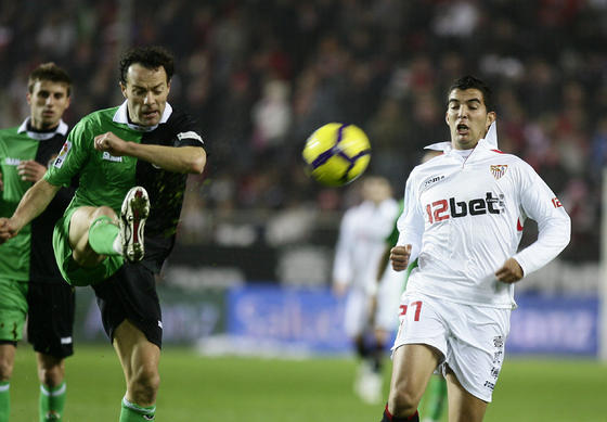 El Sevilla vuelve a ceder puntos en casa. / Antonio Pizarro