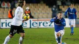 """El delantero sevillano Antoñito comentaba tras el partido que """"el partido ha estado muy igualado hasta que ellos han hecho el tercer gol.  Foto: Pascual"""