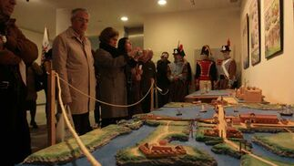 El Centro de Congresos inaugura una exposición que explica la defensa de La Isla y Cádiz frente al cerco francés durante la Guerra de la Independencia  Foto: Elias Pimentel