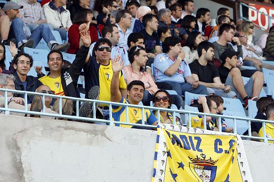 Los aficionados amarillos no pierden la esperanza.   Foto: LOF