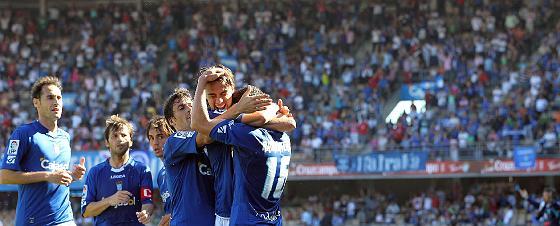 Alegría en las gradas de Chapín con el gol de Armenteros.   Foto: Miguel Angel Gonzalez