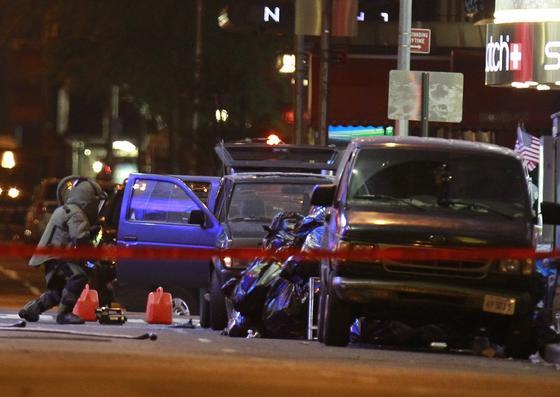 Un coche con explosivos obliga a desalojar la neoyorquina plaza de Times Square.  Foto: AFP/ REUTERS/ EFE
