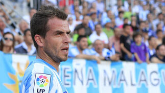 El Málaga solo pudo conseguir un empate (1-1) ante el Sporting que le acerca más a los puestos de descenso tras la victoria del Tenerife.