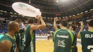 El Unicaja saca la visa virtual para los 'play off' por el título con una convincente victoria ante el Blancos de Rueda (88-58).