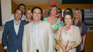 El concejal municipal de Turismo, Juan Manuel García Bermúdez (en primer plano), junto a algunos compañeros de esa delegación del Ayuntamiento.   Foto: Vanesa Lobo