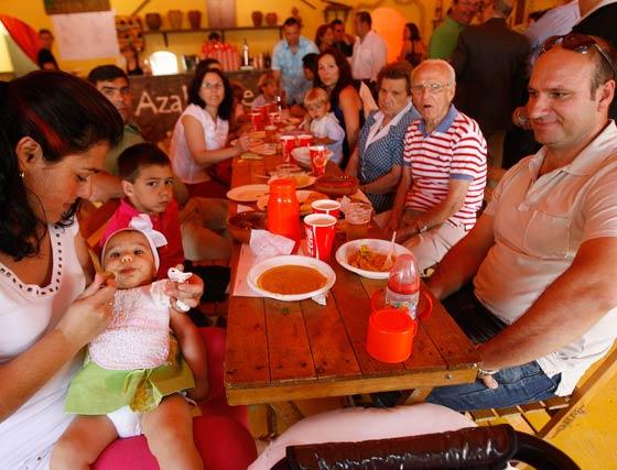 Algunos asistentes a la Feria.  Foto: Pascual