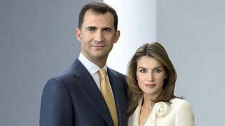 Los príncipes de Asturias, Don FElipe y doña Letizia, en la nueva foto oficial de la Casa Real.