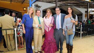 Alejandra Cruz Conde, Rufino Romero, cónsul de la República Checa, Paloma Ruiz-Mateos, David Fernández y  la Miss España 2005, Verónica Hidalgo.  Foto: Manuel Mateo