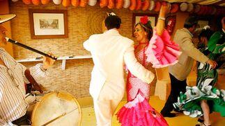Bailes flamencos en el jueves de Feria.   Foto: Pascual y Miguel ngel Gonz?z