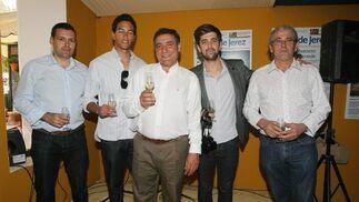 El pintor Pepe Basto, el diseñador Samuel Basto, Salvador Ruiz, de Ferretería Xerez, Luis Gómez y Jesús Herrera.  Foto: Vanesa Lobo