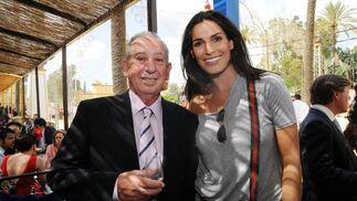 Carmelo Delfín con la modelo Verónica Hidalgo.  Foto: Manuel Mateo