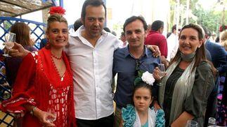 Inma Malvido, Daniel Lamparero, jefe de Deportes del Diario, su hija Carmen, RaúlZarzuela, jefe de prensa del Circuito de Jerez y su esposa.  Foto: Vanesa Lobo