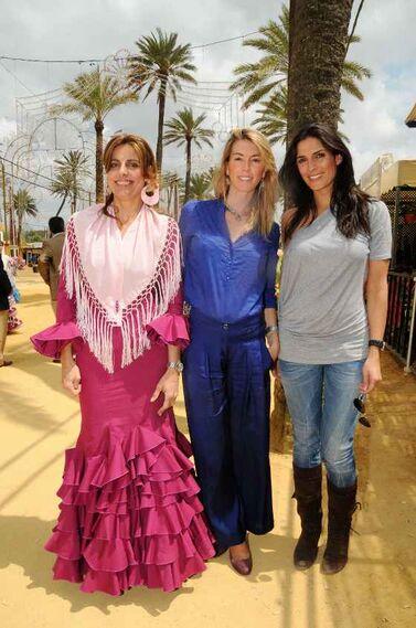 Paloma Ruiz-Mateos, Alejandra Cruz Conde, cónsul del Reino Unido y Verónica Hidalgo, Miss España 2005.  Foto: Manuel Mateo