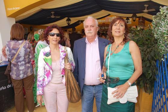 María José y Mª Ángeles Ruy-Díaz López y Álvaro Arrabal Clares, del Hospital Punta Europa de Algeciras.  Foto: Manu Garcia