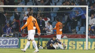 Munúa, en el suelo tras encajar uno de los dos goles. / LOF