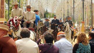 Visitantes se extasían ante el paso de los enganches.  Foto: manuel aranda