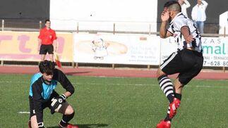 La Balompédica gana al Coria con un tanto de Lucho Álvarez, pero se queda fuera de la fase de ascenso al no fallar el Marinaleda y ganar al Córdoba B  Foto: Paco Guerrero