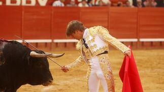 """""""El Cordobés» hacía su debut como matador en Jerez, y a su vez reaparecía del percance de Barcelona, sin embargo, se estrelló contra un imposible. Ninguno de sus dos toros le permitieron lucirse lo más mínimo  Foto: Juan Carlos Toro"""