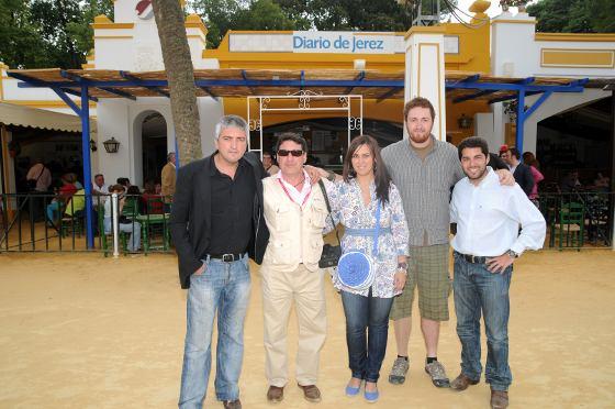 Reunión de fotógrafos de Diario de Jerez en la caseta de este Diario.