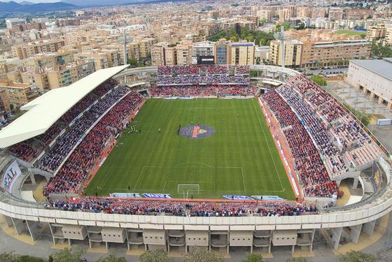 Vista aérea del estadio de Los Cármenes. / Foto: Fotoandalucia.com