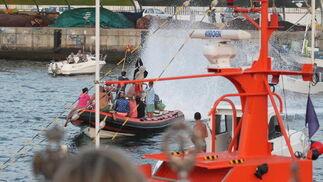 Seguidores de la procesión del Carmen en Algeciras.  Foto: Fran Montes