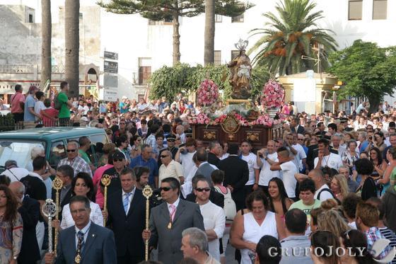 Virgen del Carmen en Tarifa y su hermandad.  Foto: Shus Terán
