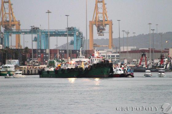 Vista de los barcos que esperaban a la patrona de los marineros en Algeciras.  Foto: Fran Montes.