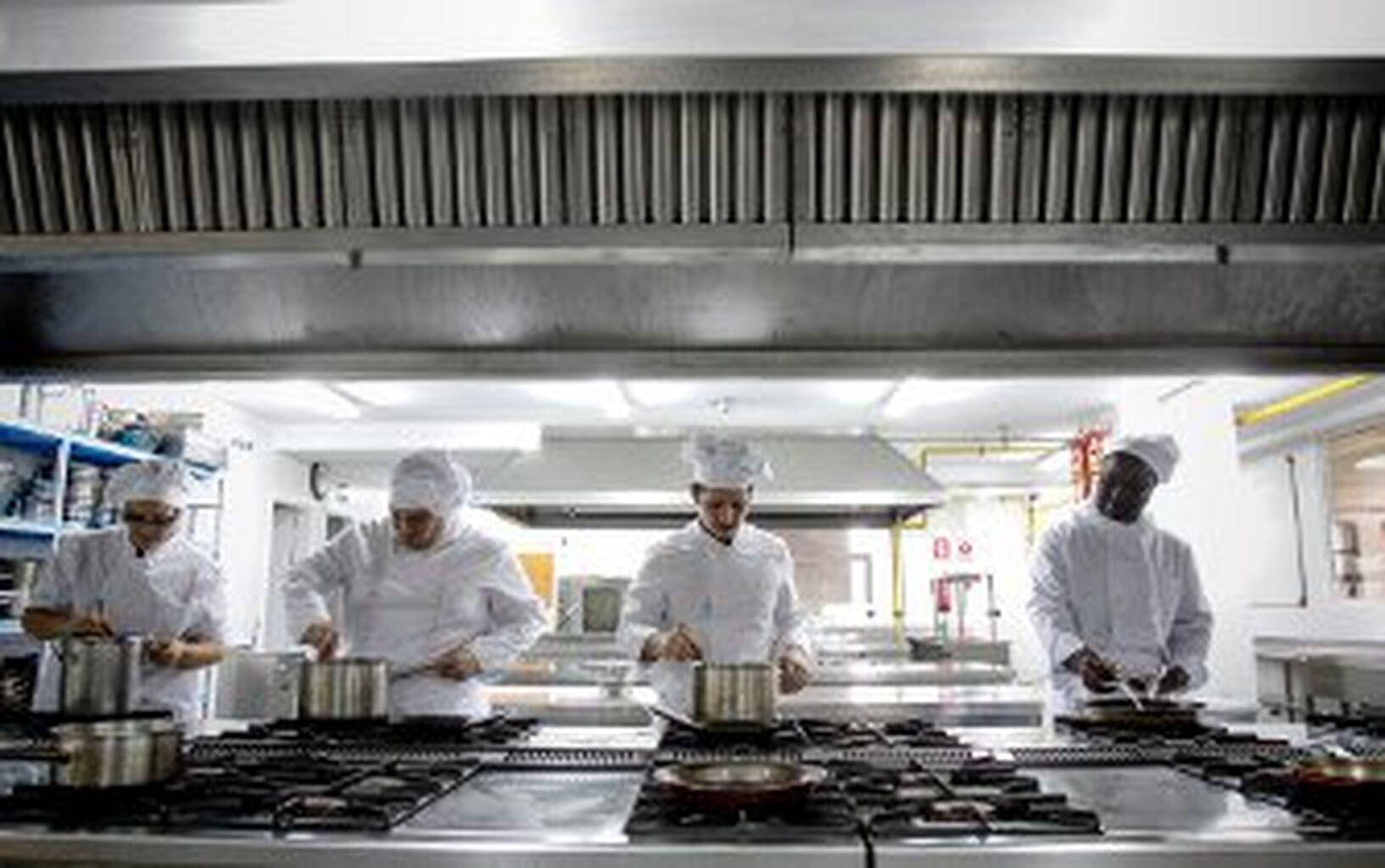 La escuela de hostelería Quiñones reanuda sus almuerzos al público