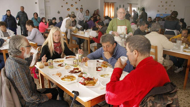 El s bado comida ben fica a favor del comedor social de - Comedor social de triana ...