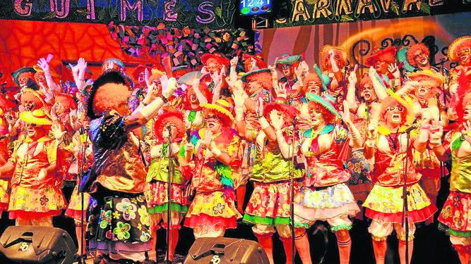 La murga de Agüimes 'Los sombreritos' en una de sus actuaciones.